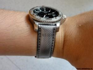 Серебристый ремешок RIOS1931 Ballistic на руке