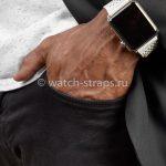 Белый ремешок Noomoon LABB на часах Apple Watch